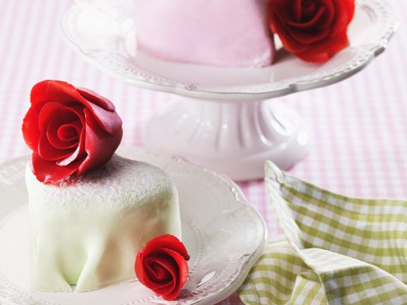 Heart Petit-Fours with Marzipan Roses