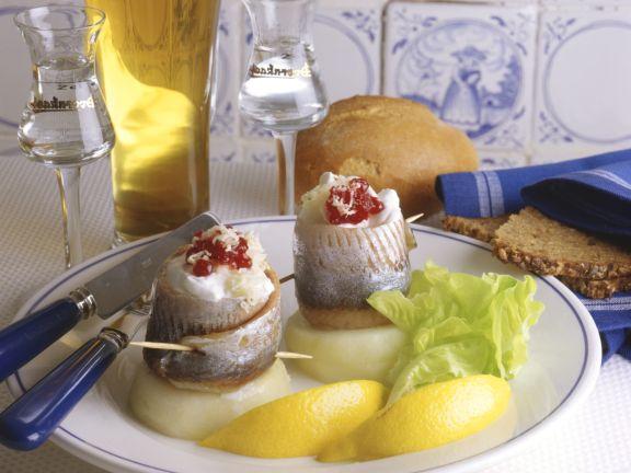 Herring Appetizers with Potatoes and Horseradish Cream