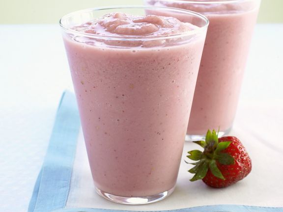 Iced Berry and Banana Drink