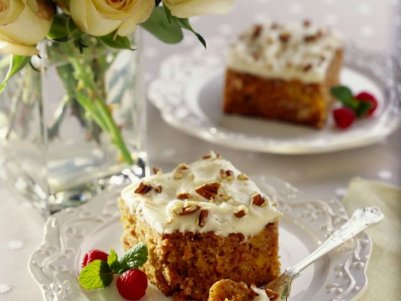 Iced Cake with Carrots and Nuts