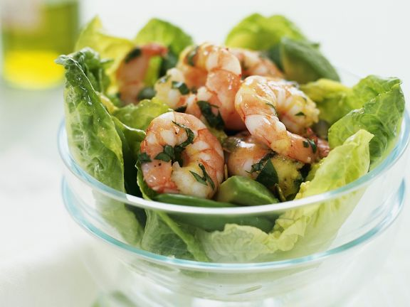 Kale Salad with Shrimp and Avocado