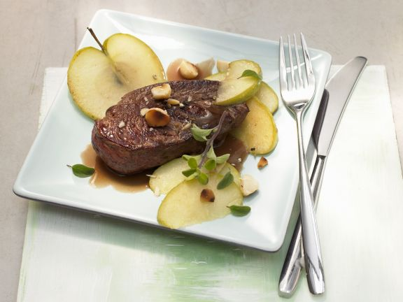 Kangaroo Fillet with Fried Apples and Nuts