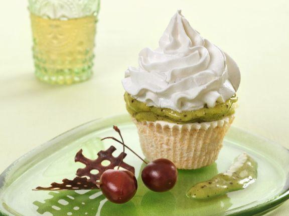 Kiwi Fruit and Cream Cupcakes