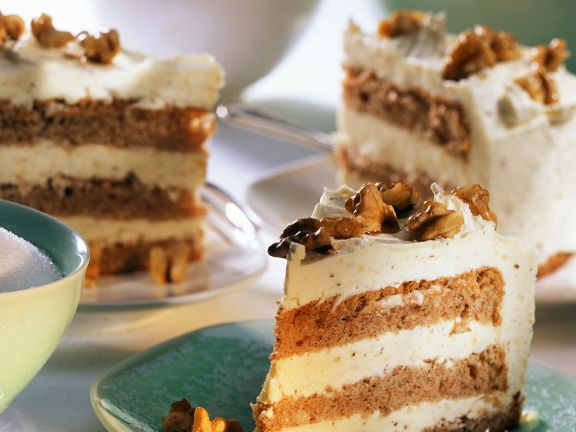Layer Cake with Buttercream Frosting and Caramelized Walnuts