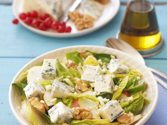 Green Leaf Bowl with Cubed Cheese and Nuts