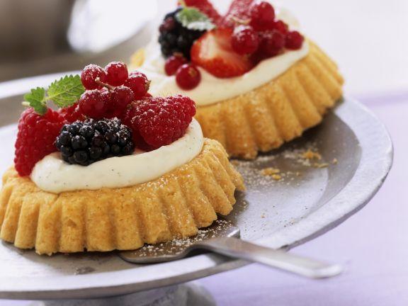 Lemon Cupcakes with Berries