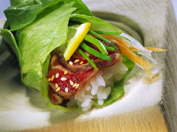 Lettuce Rolls with Beef and Rice