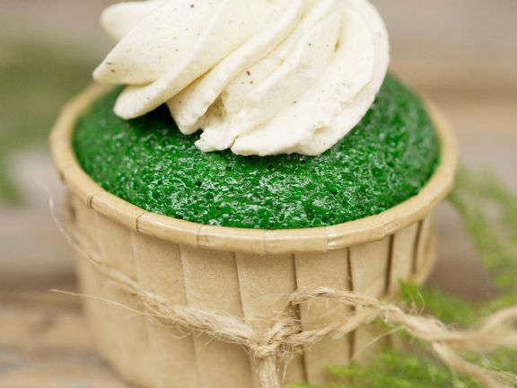 Lime Cupcakes with Ginger Buttercream