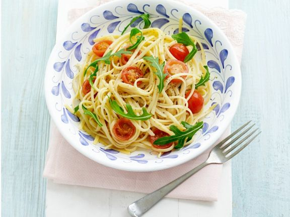 Linguine with Tomatoes and Arugula