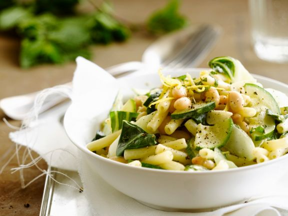Macaroni with White Beans and Zucchini