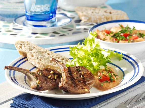 Marinated Lamb Chops with Tomato and Peppercorn Dipping Sauce