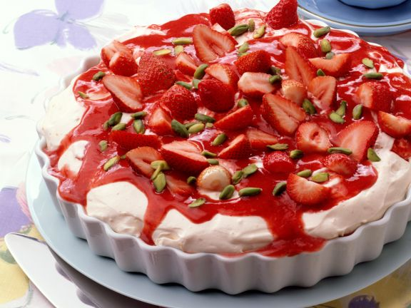 Mascarpone Cream with Strawberries and Pistachios