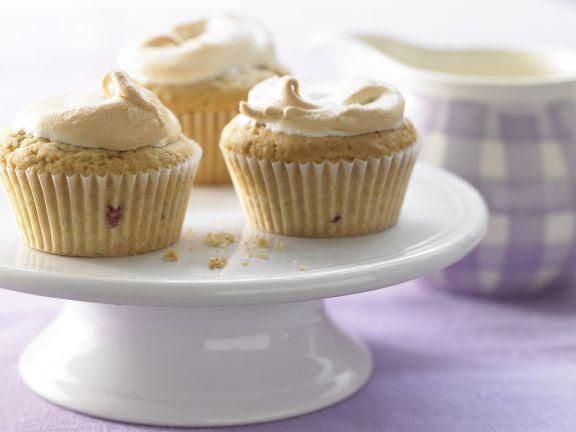 Meringue Muffins with Blackberries