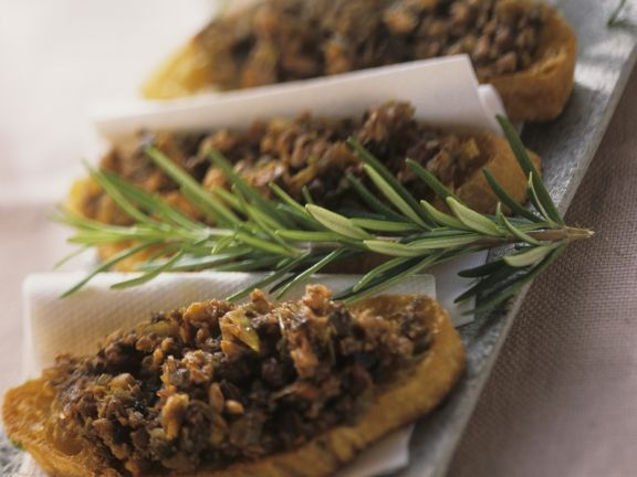 Minced Rabbit with Toast