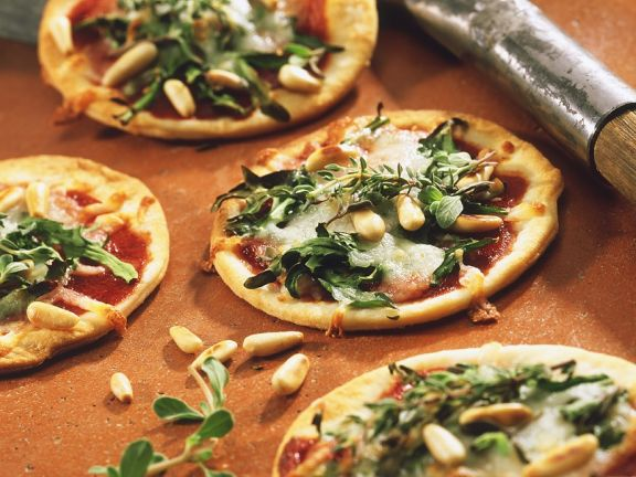 Mini Pizza with Arugula