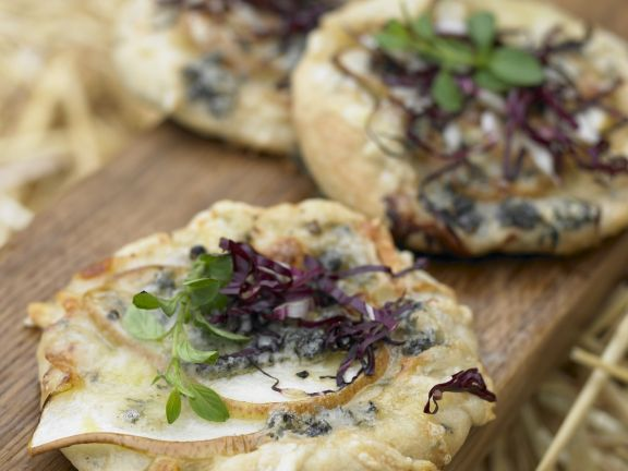 Mini-Pizzas with Radicchio, Pear and Gorgonzola