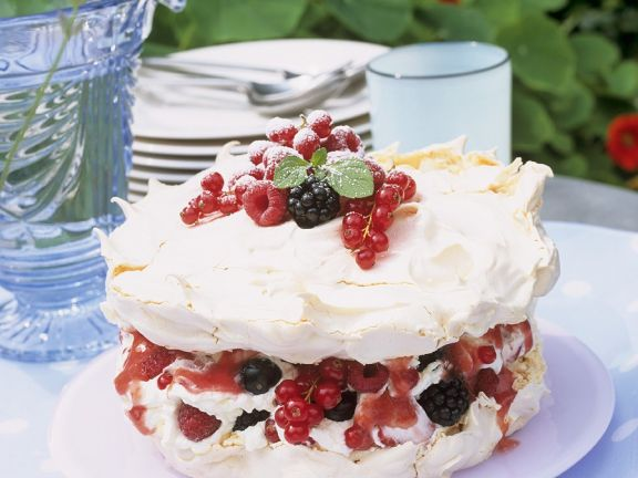 Mixed Berry Meringue Cake