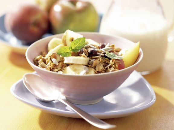 Muesli with Fruit and Mint