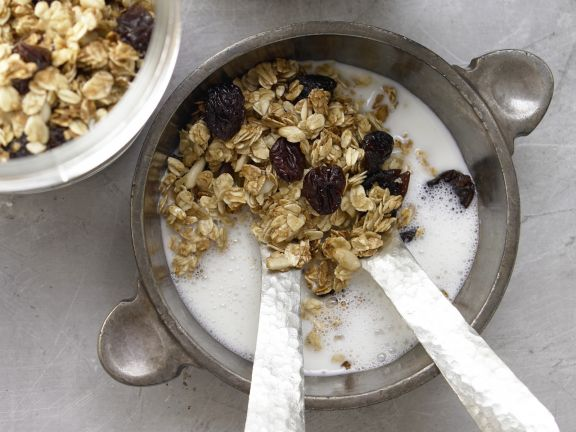 Oat and Pine-Nut Granola