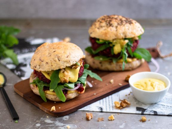 Oatmeal Burger with Beets and Walnuts