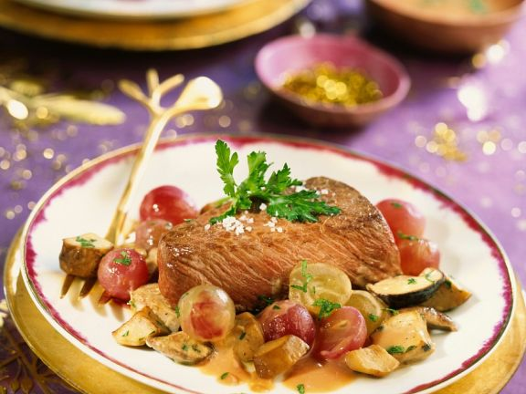 Ostrich with Grapes and Mushrooms