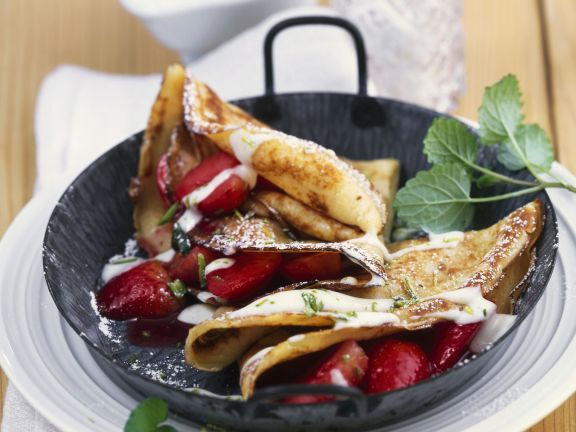 Pancakes with Strawberries and Mascarpone