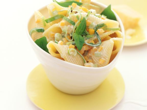 Pasta Shells with Pumpkin Sauce