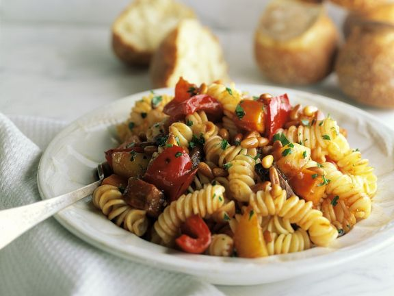 Pasta with Bell Peppers and Pine Nuts