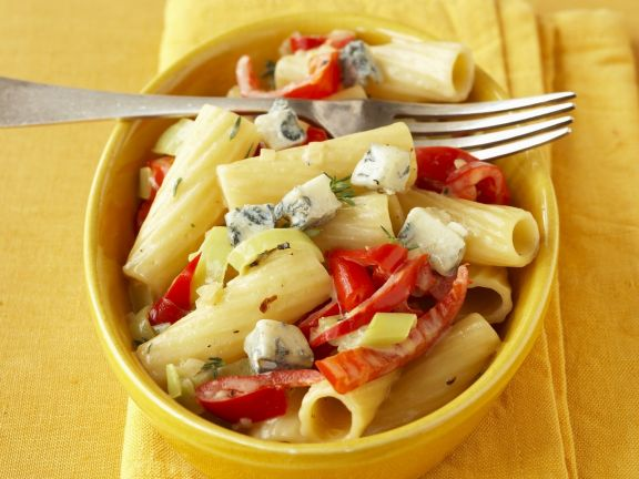 Pasta with Blue Cheese and Peppers