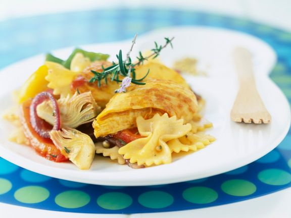 Pasta with Chicken, Artichokes and Peppers