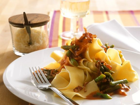 Pasta with Green Beans and Bacon
