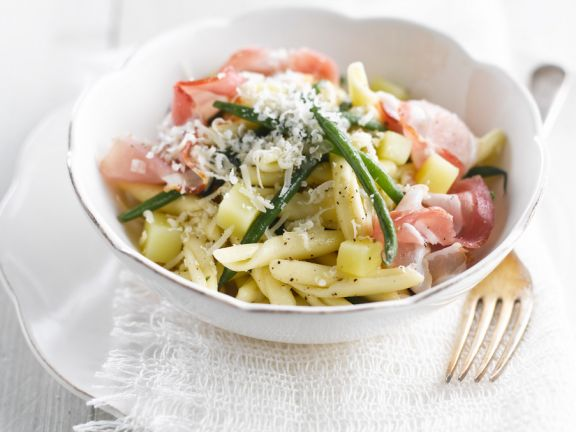Pasta with Pancetta, Green Beans and Potatoes
