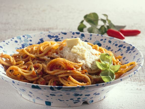 Pasta with Spicy Tomato Sauce