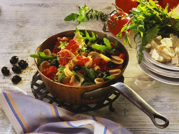 Pasta with Tomato and Goat Cheese