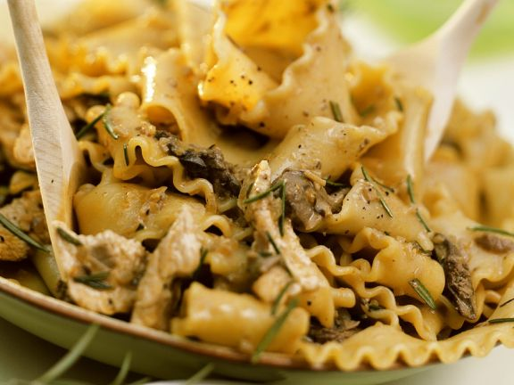 Pasta with Turkey and Mushroom Ragout