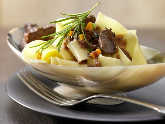 Pasta with Venison and Wine