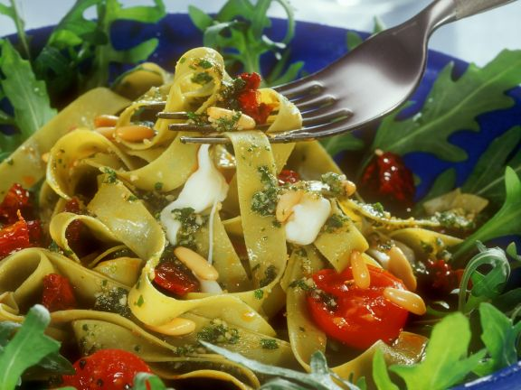 Pasta with Wild Garlic Pesto, Tomatoes and Pine Nuts