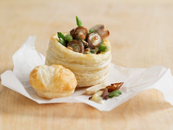 Pastry Cups Stuffed with Mushrooms and Asparagus