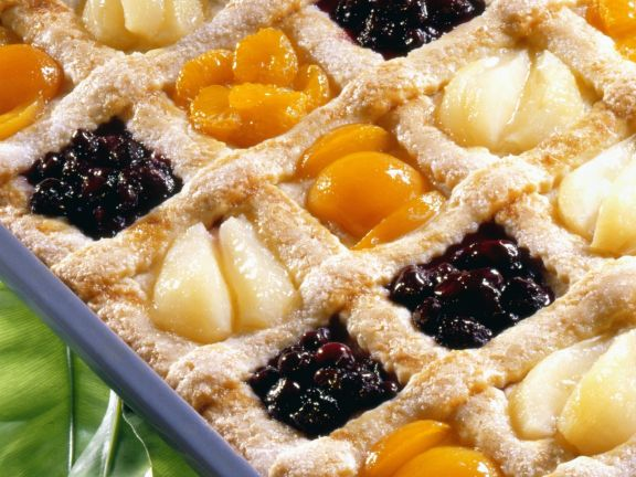 Pastry Squares with Fruit