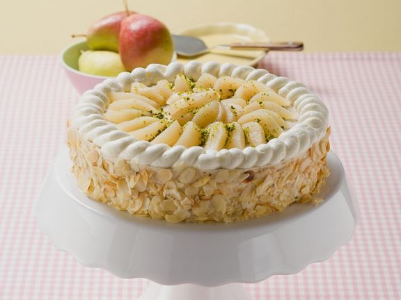 Pear and Whipped Cream Layer Cake