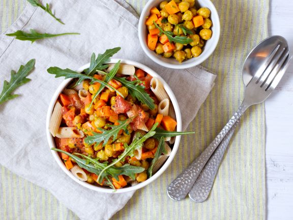 Penne with Tomato Sauce and Chickpeas