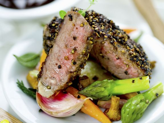 Peppercorn Steak with Vegetable Medley