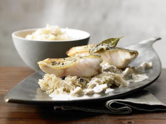 Perch with Sauerkraut