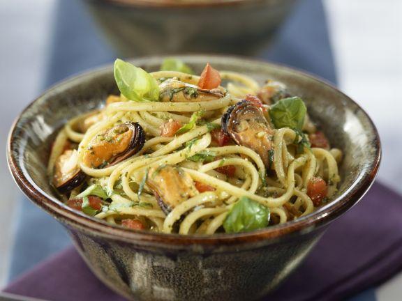 Seafood and herb spaghetti