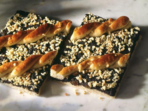 Poppy Cake with Almonds