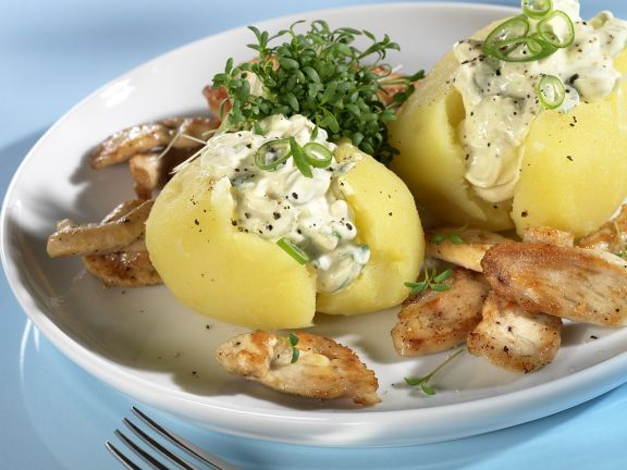 Potatoes with Cottage Cheese and Sautéed Chicken