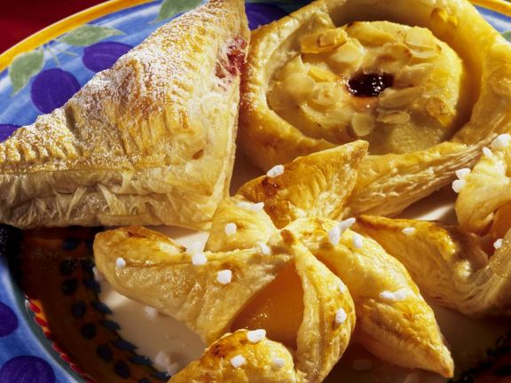 Puff Pastries with Apricot Jam