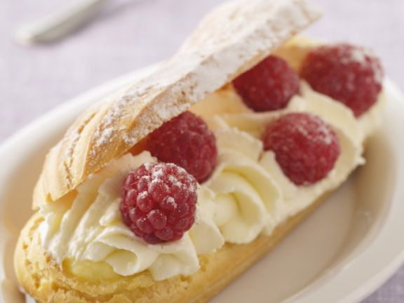 Puff Pastry Fingers with Berries
