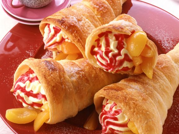 Puff Pastry with Custard Filling and Apricots
