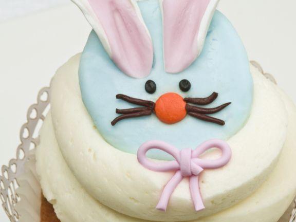 Rabbit Face Buttercream Cakes